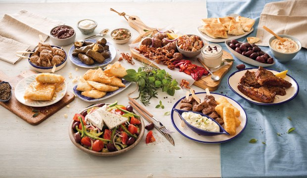 Meze Wide Shot (front cover)