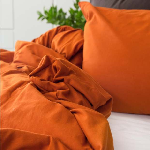 The T Shirt Bed Company Rust Duvet Cover Set